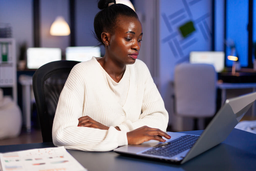 Many remote jobs are available for accounts receivable clerk positions.